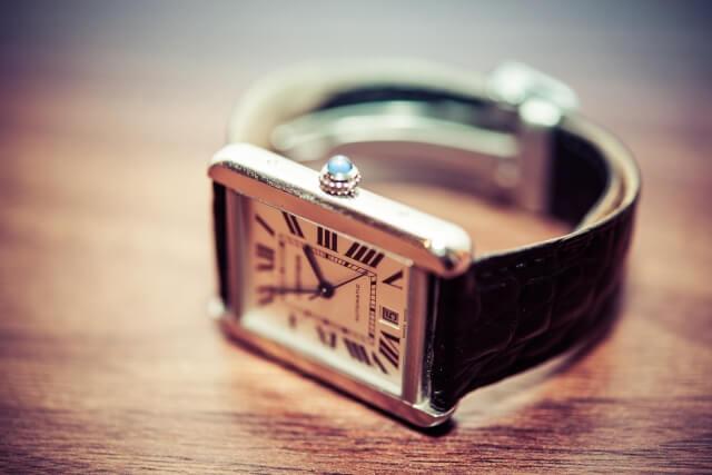 年収1000万の男性は、いい腕時計で魅力アップ