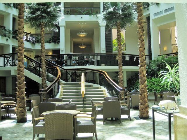 お見合い場所の代表は、落ち着いた雰囲気のホテルラウンジがおすすめ