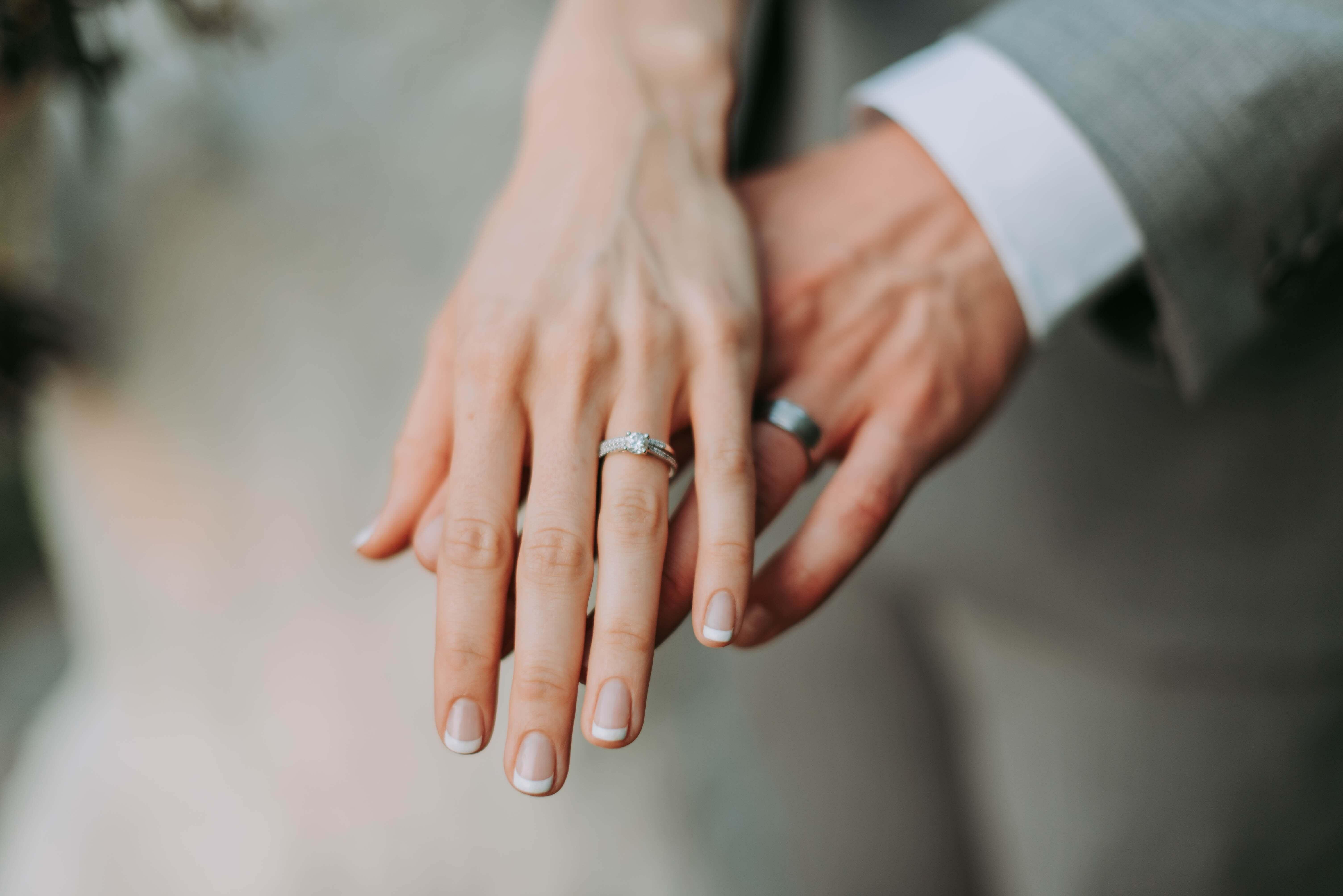 女性芸能人・女優のような素敵な女性と結婚する方法