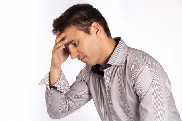 30代・40代男性の頭皮の臭いの原因は?