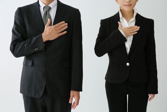 転職や出産・育児などで収入が減ったときの対策を話し合う